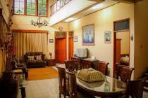 Dijual rumah Mewah di Buah Batu Bandung FULL FURNISHED Rp 4 M