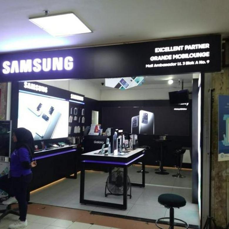 toko atau kios handphone lantai 3 di mal ambasador jakarta selatan