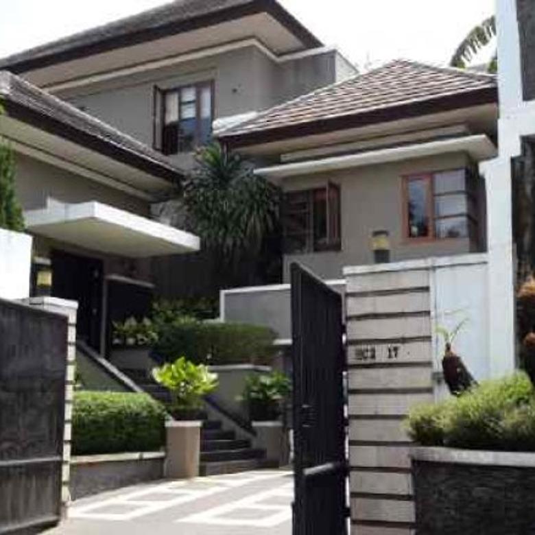 Rumah Mewah di Bintaro Jaya, Cluster Graha Taman Sektor