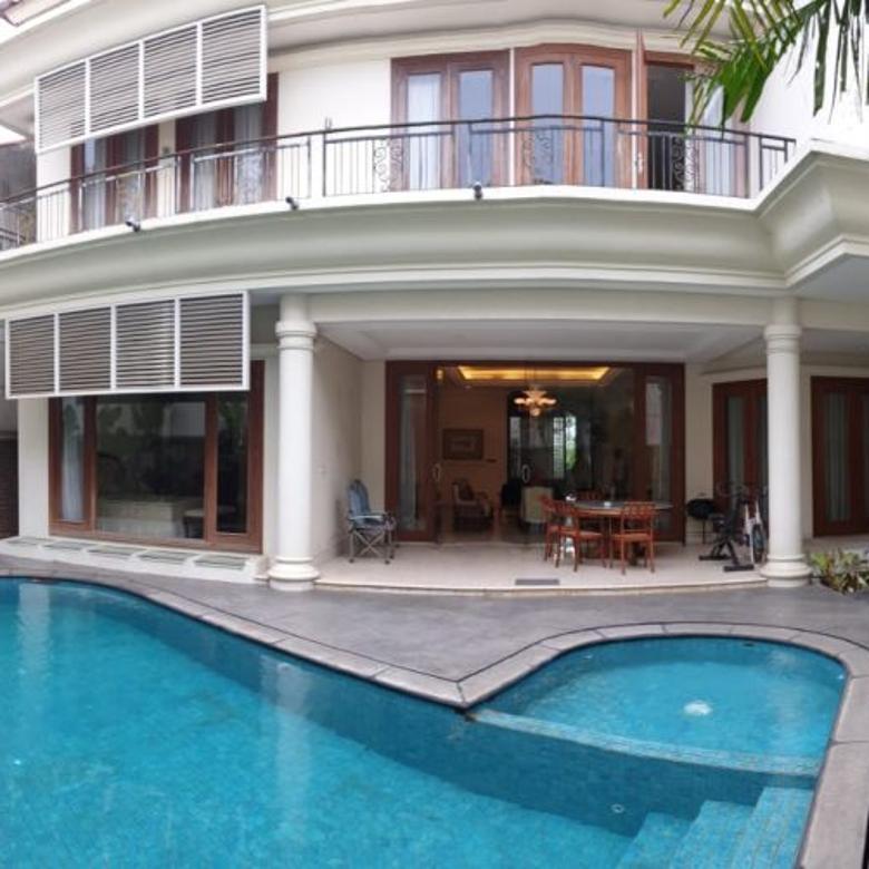 Rumah di Pondok Indah 5BR, LT 637/LB 850 with Swimming Pool
