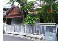 Rumah startegis,akses jalan lebar di pondok bambu