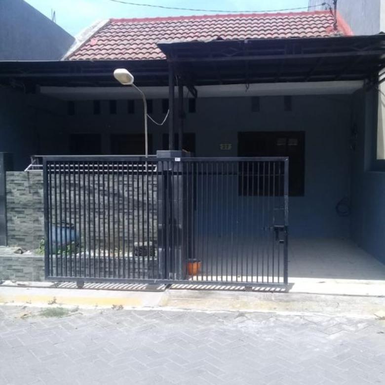 DIJUAL 1 Unit Rumah Strategis di GKB Manyar Gresik