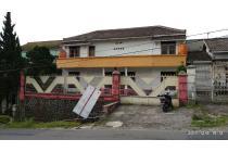 Villa di pinggir jalan Tawangmangu