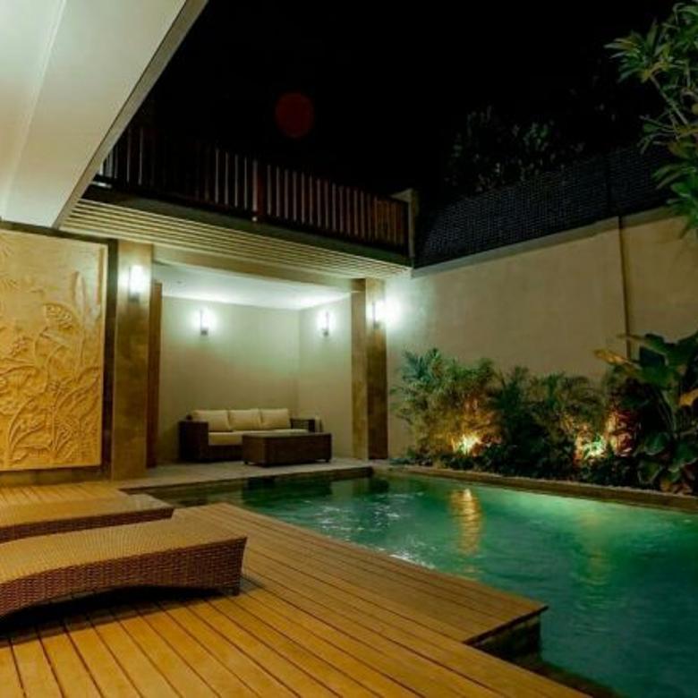 New luxury villa Komersial di jln umalas kerobokan kuta utara,