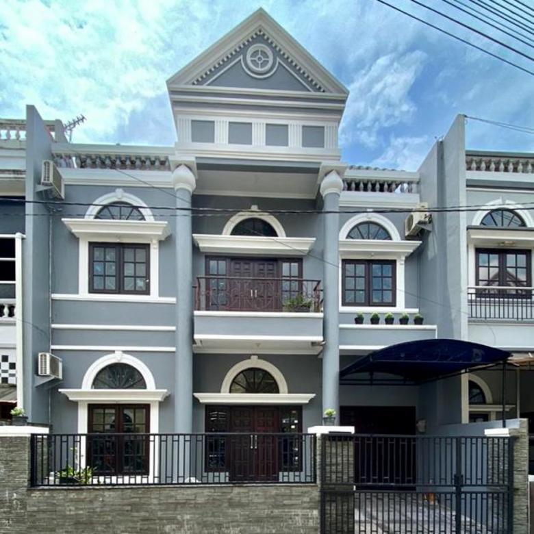 Rumah Klasik di Casa Del Espana Jalan Kebon Agung
