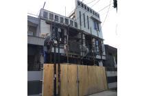 DiJual 2 Rumah 6x14 dan 5x14 Tanjung Duren depan Taman, jalur 2 mobil