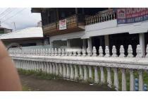 Dijual Rumah + Kost Lokasi Strategis di 17 Agustus Manado