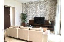 Brand New Apartment, Very Cozy and Comfortable at The Pakubuwono Spring