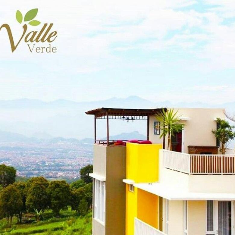 Rumah berkonsep vila dengan nuansa pegunungan