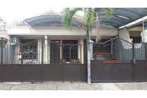 Rumah Simpang Darmo Permai Utara