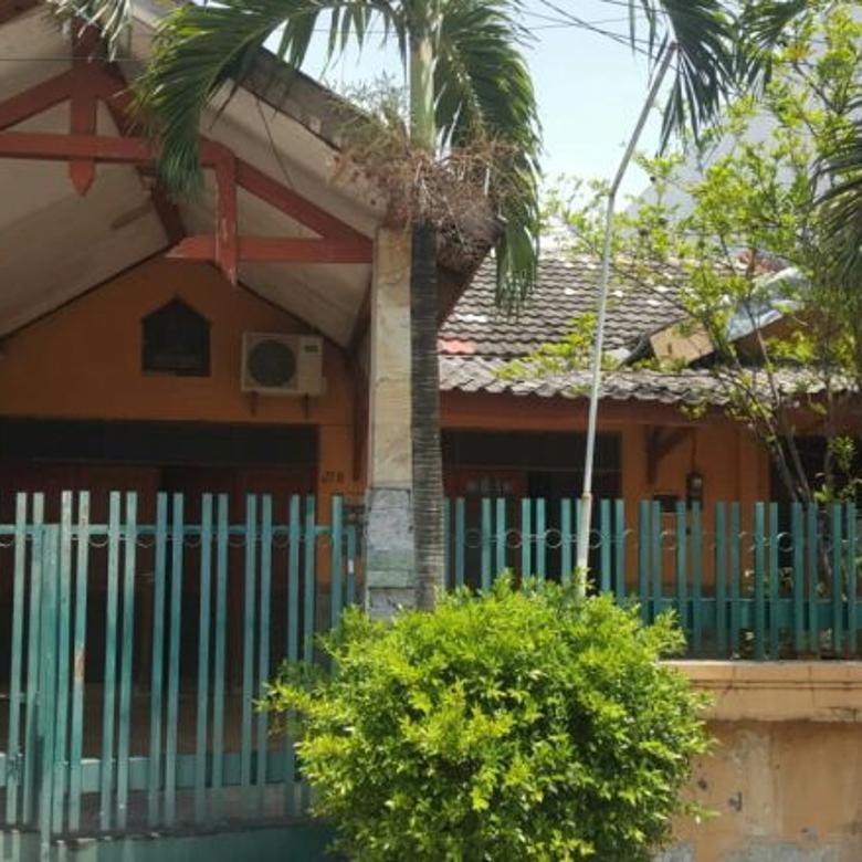 Rumah siap huni bagus asri dan nyaman dipusat kota Surabaya