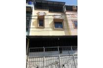 Rumah 3 lantai 5x10m jalan 2 mobil di Jelambar