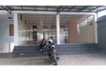 Rumah + Kantor Jl raya lembang LT:490 LB:300
