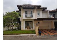 Rumah Cantik Posisi Hoek, Full Furnish, Wangsa Kerta, Kota Baru Parahyangan
