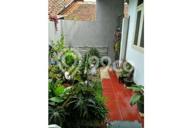 Rumah Depan Jalan Raya Daerah Banjaran Ada Warung 15097131