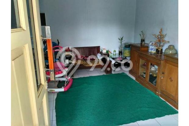 Rumah Depan Jalan Raya Daerah Banjaran Ada Warung 15097134