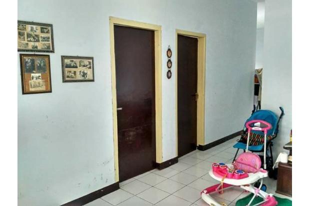 Rumah Depan Jalan Raya Daerah Banjaran Ada Warung 15097136
