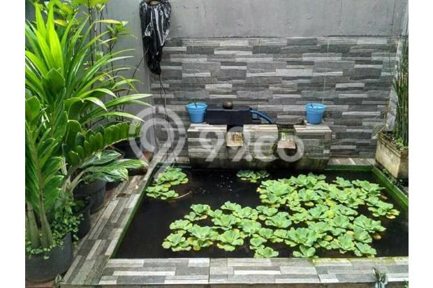 Rumah Depan Jalan Raya Daerah Banjaran Ada Warung 15097139