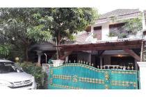 Rumah nyaman dan strategis di Komplek MPR Cilandak