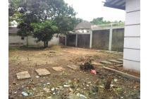 Tanah Matang Eks Halaman Blkng rmh Di Komplek Besar Jalan 2 mobil. 6,9jt/m