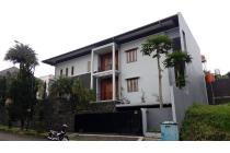Dijual Rumah Lux di Setraduta