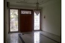 Dijual Rumah Nyaman Strategis di Kuningan Jakarta Selatan