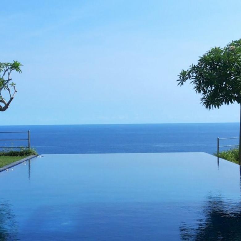 Bu Villa Pinggir Tebing Pantai Pendawa Bali