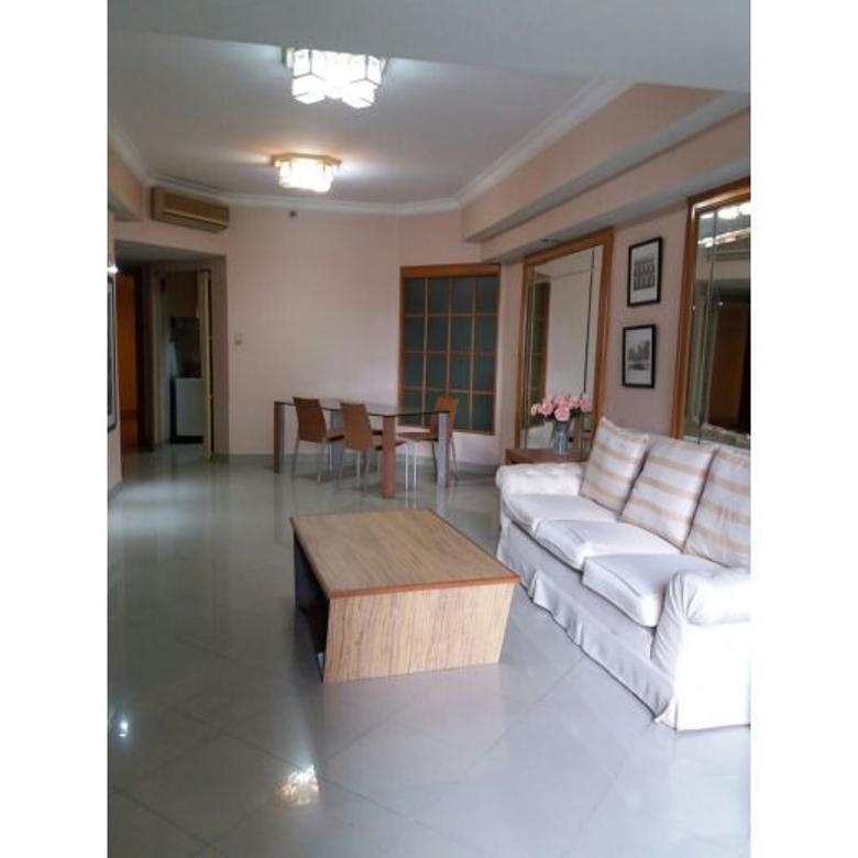 Apartemen Taman Anggrek 2BR Lantai Rendah