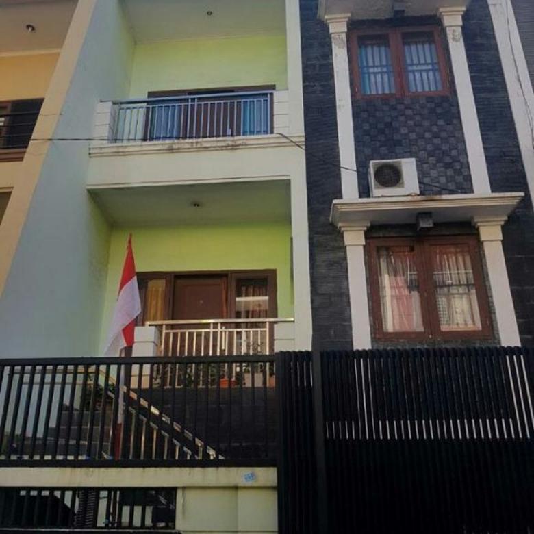Dijual Rumah Hadap Timur Bebas Banjir di Komplek Duta Mas