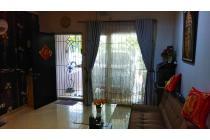 Dijual cepat Rumah 2.5 Lantai semi furnished di Golden Palm Residence