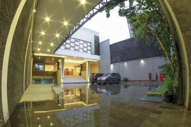 Rp155mily Hotel Dijual
