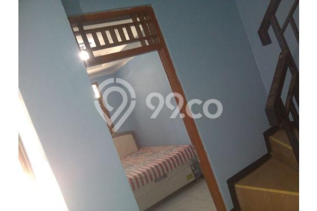 Rumah Minimalis Lantai 2 di Taman Cipayung 13244320