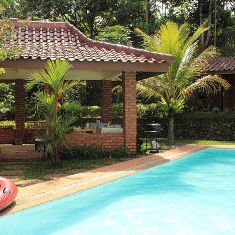 SEWA Villa nan asri dg PRIVATE POOL & PEMANCINGAN di Ciawi-BGR