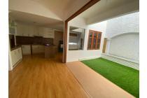 rumah cantik..baru renov..siap huni..tenang