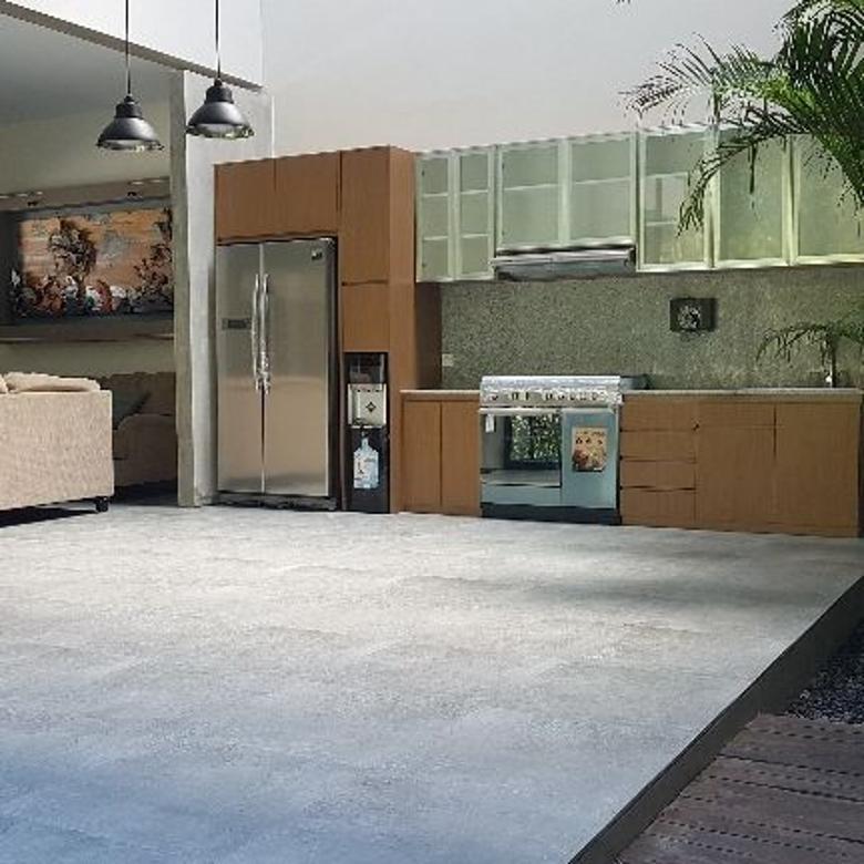Rumah Mewah Style Villa Di Kawasan Elite Renon 10 Menit Ke Pan