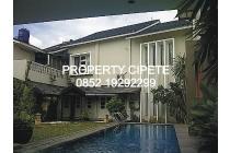 Rumah mewah di Cilandak, Unfurnished, Swimming pool