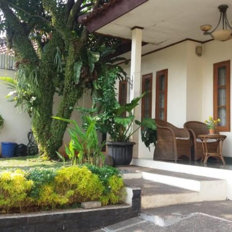 Rumah Cozy di  Taman Cilandak, Lokasi Strategis (300/300)