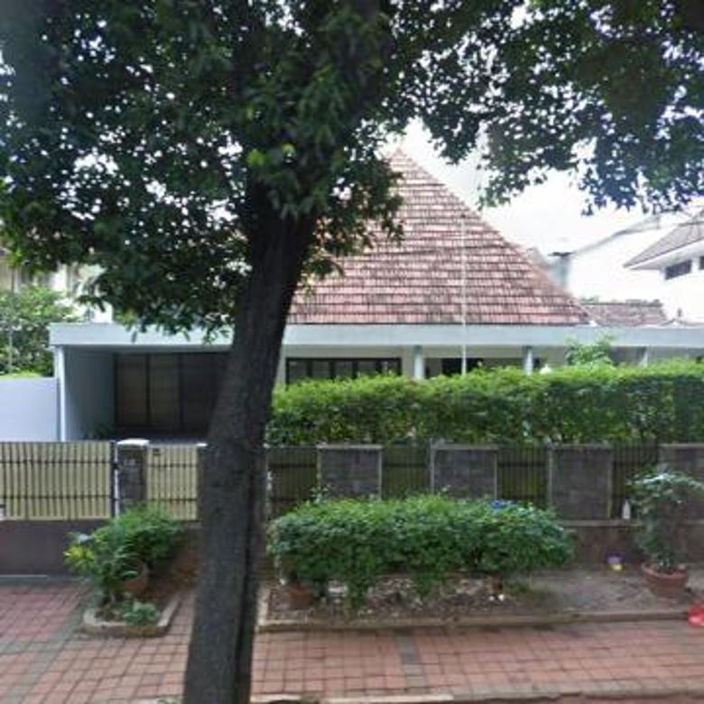 Rumah di Latuharhary Menteng