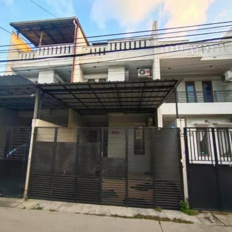 Rumah siap huni 3lt Luas 98m Type 5KT Jelambar Jakarta Barat