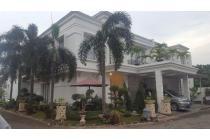 Di Jual Rumah Mewah Classic European Town House 2 LT, Jakarta Selatan