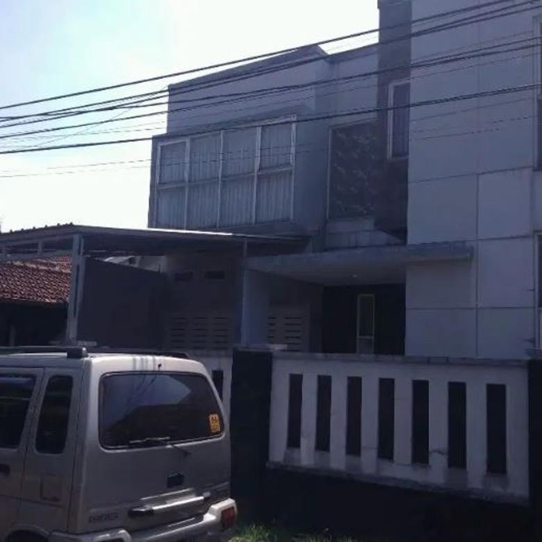 Dijual Rumah Strategis di Suryalaya Buah Batu Bandung