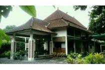 Dijual Rumah Siap Huni Dekat Pusat Kota Yogyakarta, LT 995 m2