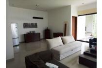Rumah Furnished di Dalam Townhouse, Di Area Pejaten, Jakarta Selatan