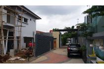 Jual Rumah Strategis Dekat Halim dan Taman Mini Jakarta Timur
