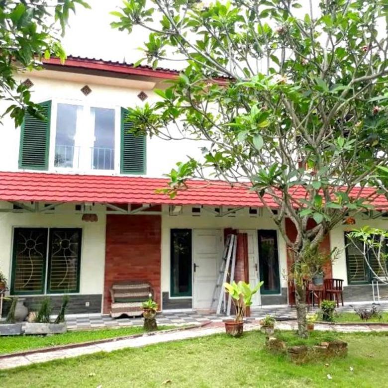 Villa Halaman Luas dekat Kopi Klotok Jalan Kaliurang