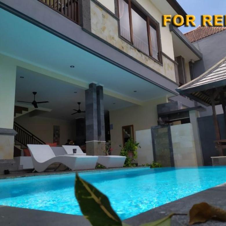 Villa 2 Lantai 4 Bedrooms Furnished dekat Pantai Berawa Bali