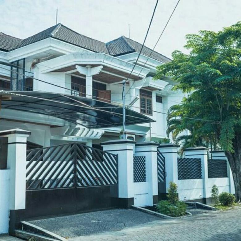 Rumah Mewah Istimewa di Surabaya