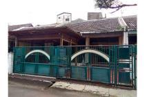 DIJUAL : rumah di lingkungan kompleks tenang & asri, dekat pusat kota