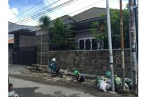 Rumah Nyaman & Tenang di Daerah Ngagel, Surabaya.