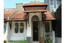 Rumah tinggal siap huni cluster Taman Ubud Permai Lippo Karawachi Barat